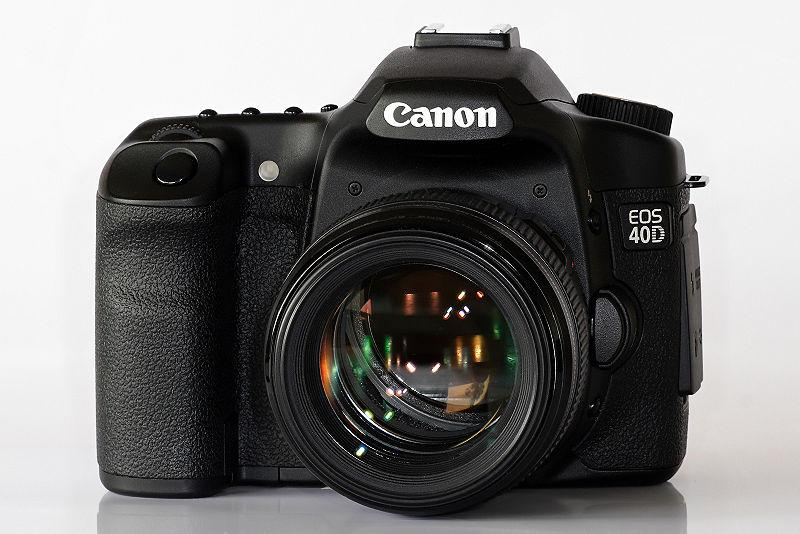 800px-canon_eos_40d_and_85mmf1.8